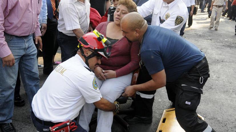 В результате взрыва в офисе крупнейшей нефтяной компании Мексики погибли 32 человека, 100 пострадали