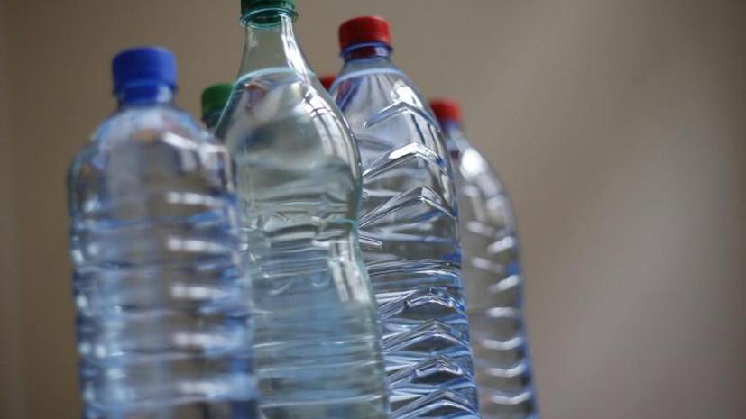 Юную американку арестовали за покупку минеральной воды
