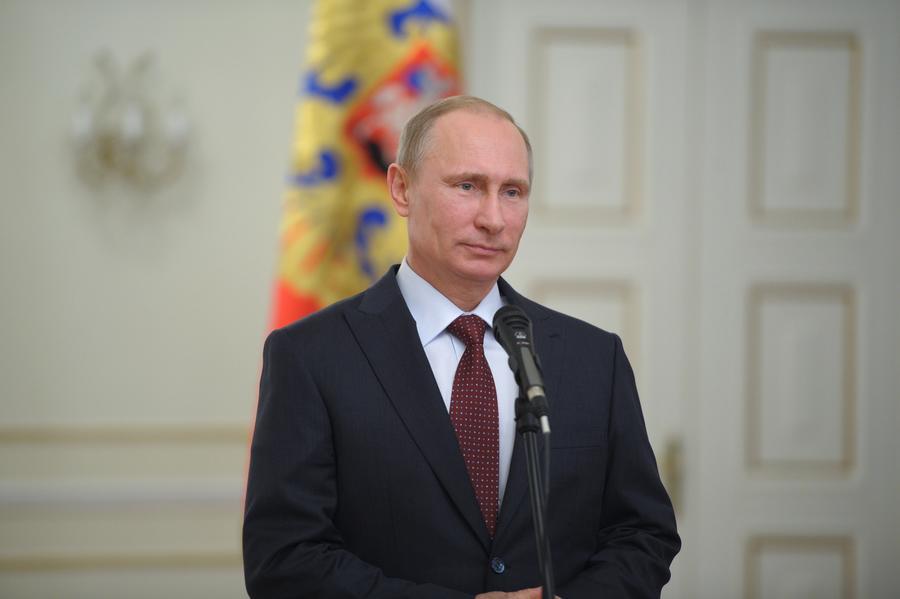 Владимир Путин обнулил НДС на авиаперевозки в Крым
