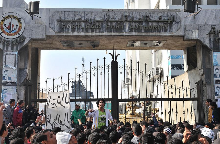 Египетские протестующие угрожают властям расправой