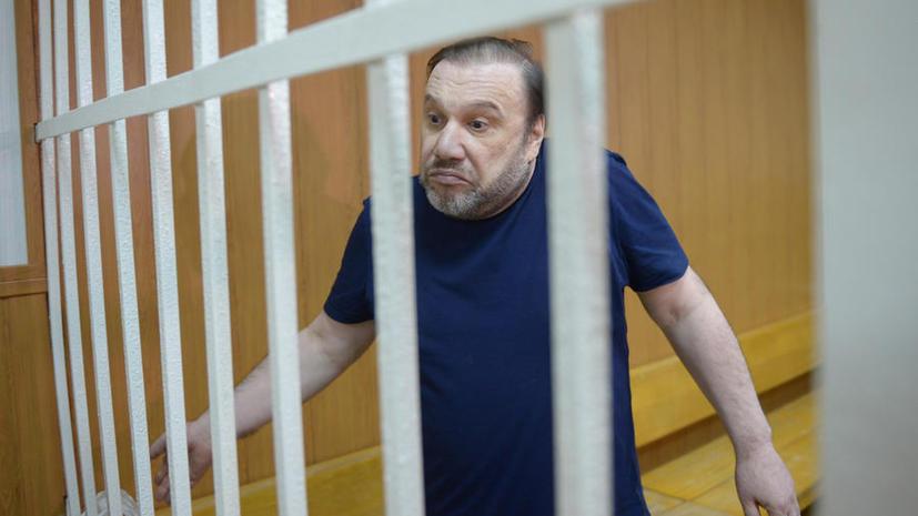 Виктора Батурина приговорили к 4,5 годам колонии за мошенничество