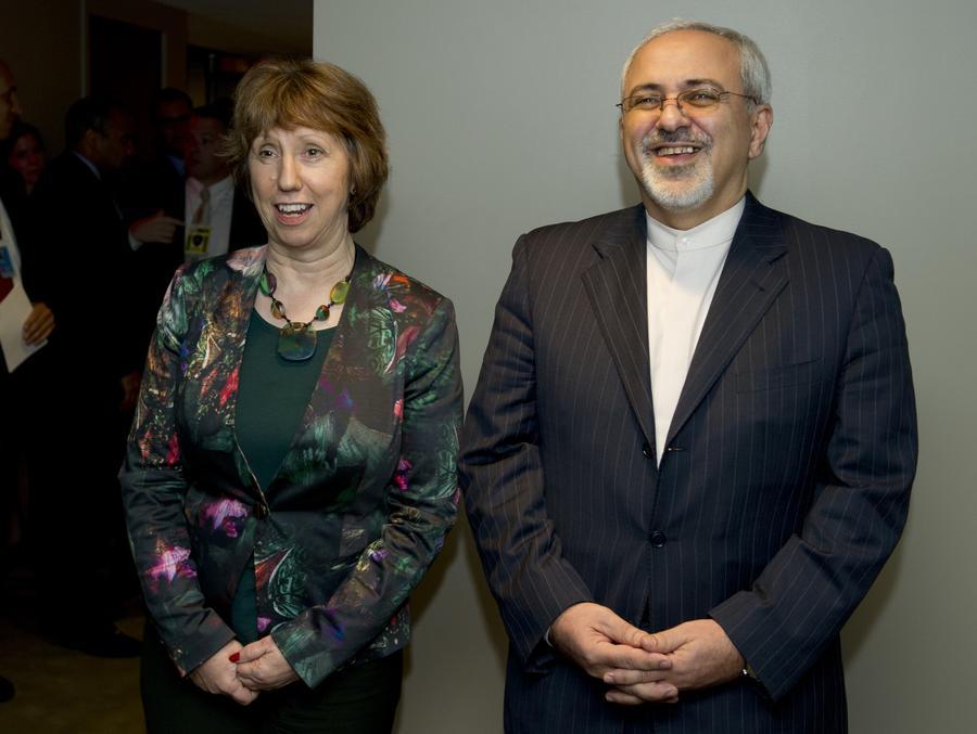 Иран приступил к переговорам по ядерной программе, добиваясь снятия международных санкций
