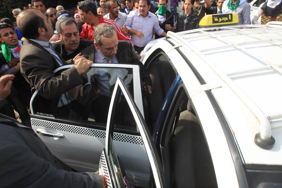 В центре Каира обстрелян кортеж премьер-министра Египта