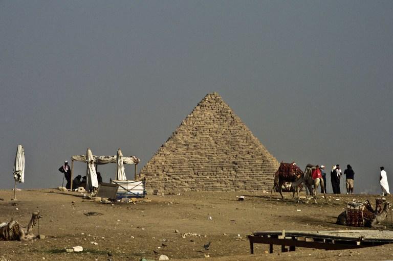 Древние египтяне передвигали блоки для пирамид по влажному песку