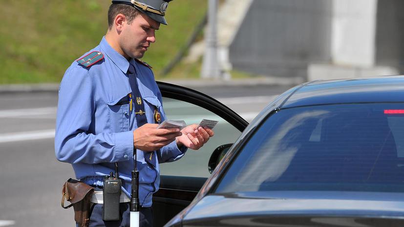 Машины с закрытыми номерами эвакуируют и проверят на предмет угона