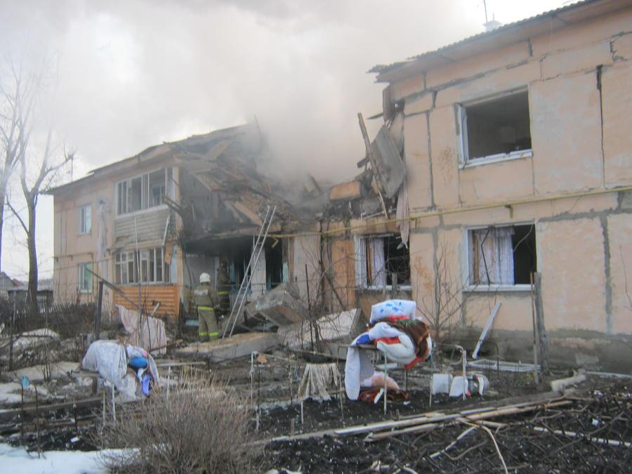 В Омске в результате взрыва газа в одном из домов погибли пять человек