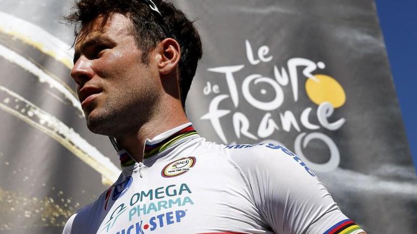 Британского велогонщика облили мочой во время «Тур де Франс»