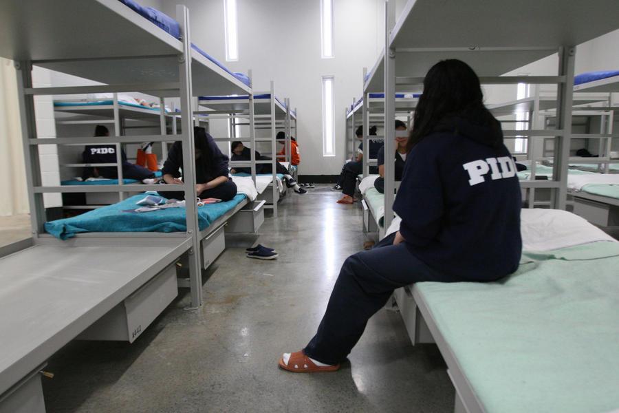 В тюрьмах Калифорнии насильно стерилизовали женщин