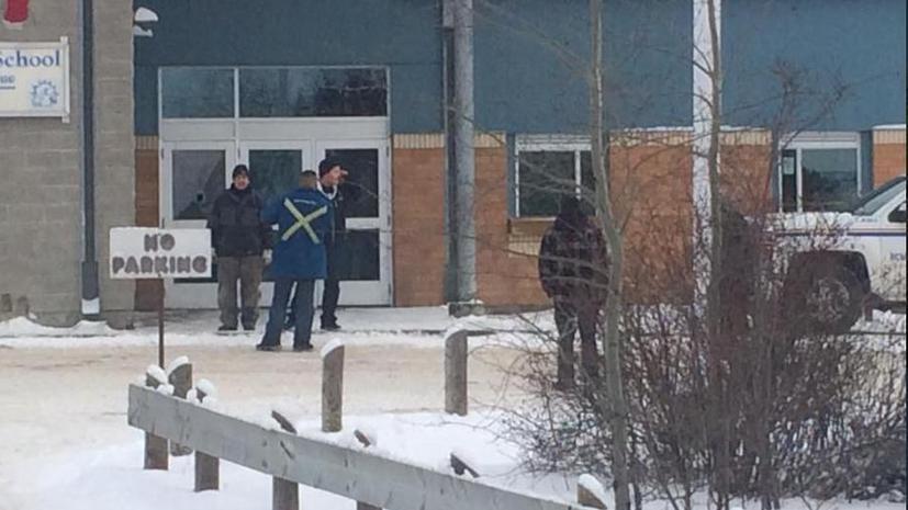 Стрельба в школе в канадской провинции Саскачеван привела к гибели четырёх человек, двое пострадали