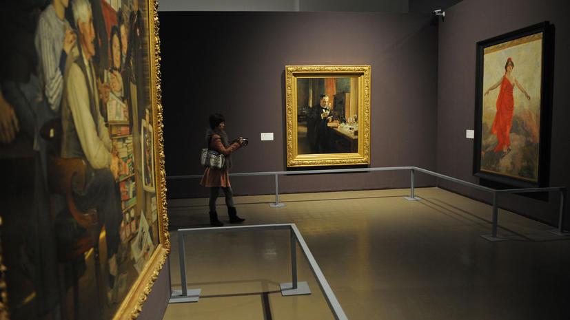 Посетителей выгнали из французского музея «за ужасный запах»