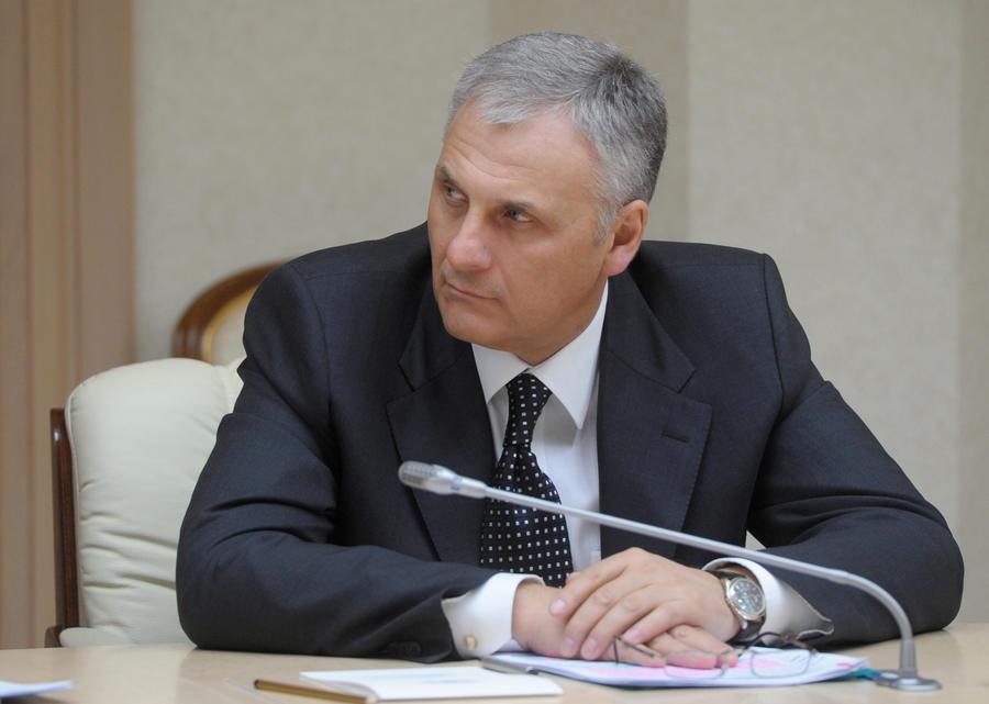 Губернатор Сахалинской области Александр Хорошавин задержан и отправлен в Москву