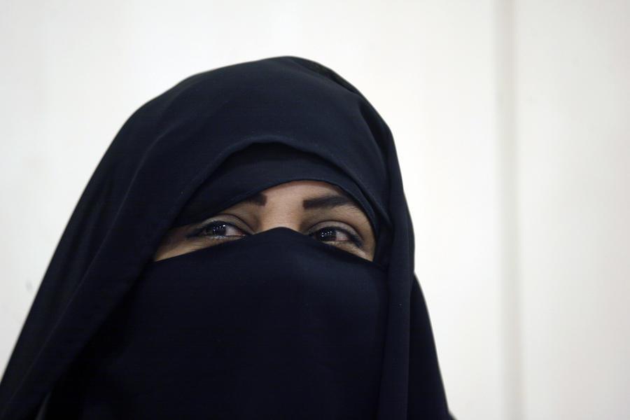 Судья обязал мусульманку снять паранджу для дачи показаний