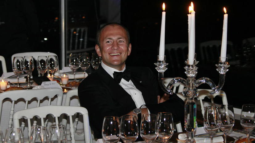 Миллиардер Андрей Мельниченко потребовал $100 млн за плохо покрашенную яхту