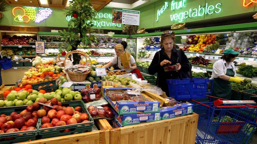 Ненужные в кризис мигранты начали обворовывать греческие магазины