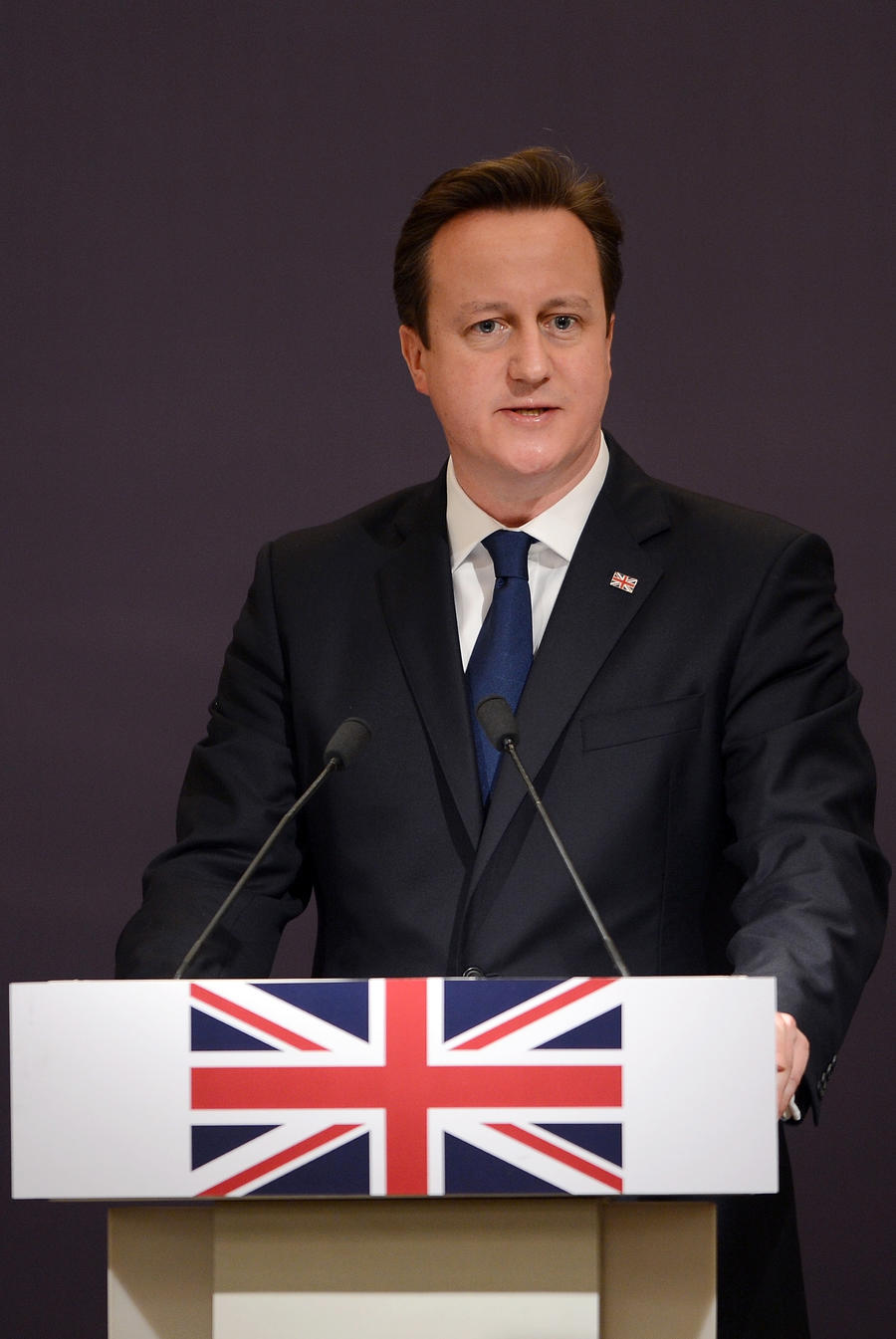 Дэвид Кэмерон: Британское правительство запретит текстовые сервисы с шифрованием данных