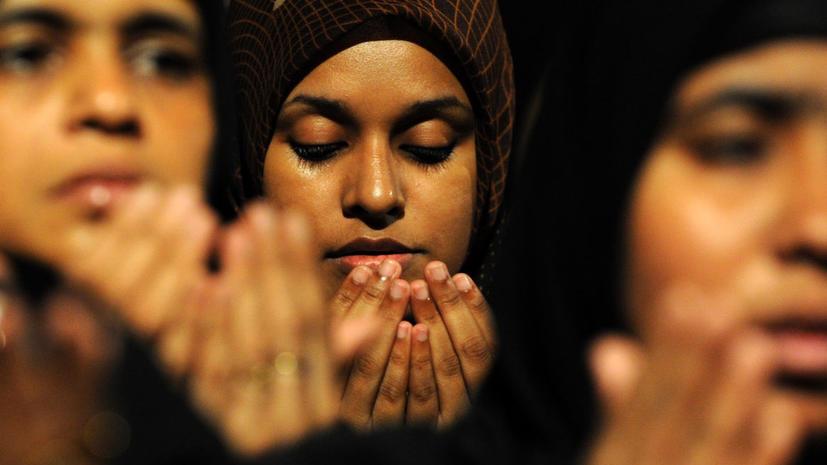 Жертву насильника на Мальдивах приговорили к 100 ударам плетьми