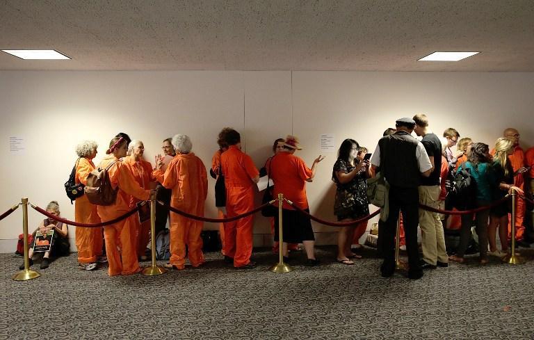 В Калифорнии на свободу выпустят почти 10 тыс. заключенных, чтобы разгрузить тюрьмы