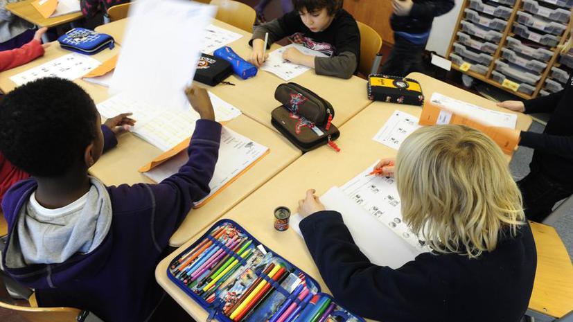 Эксперт: Британские учителя зациклены на результатах экзаменов и не учат детей базовым ценностям