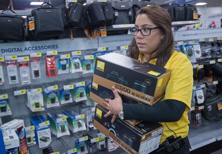 Американские подростки разгромили торговый центр в день распродаж
