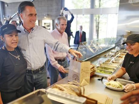 Ромни пытается задобрить иммигрантов