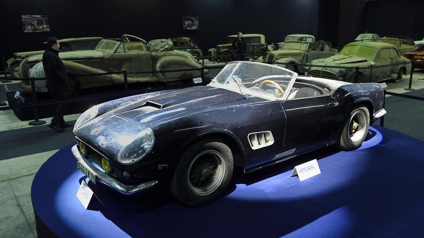 На аукционе во Франции продан автомобиль Алена Делона, полвека проржавевший в сарае