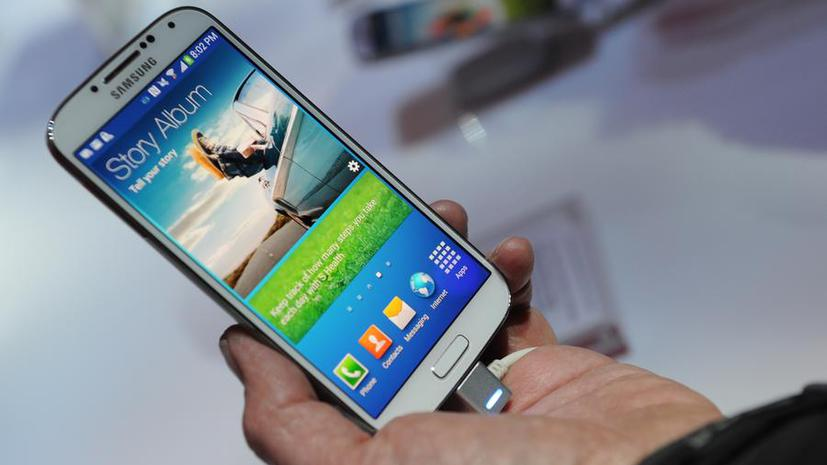 В России новый Samsung Galaxy S4 будет стоить почти 30 тыс. рублей