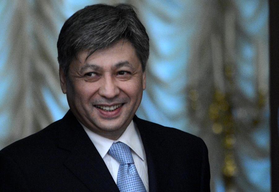 Киргизский министр уведомил американцев о закрытии базы в Манасе