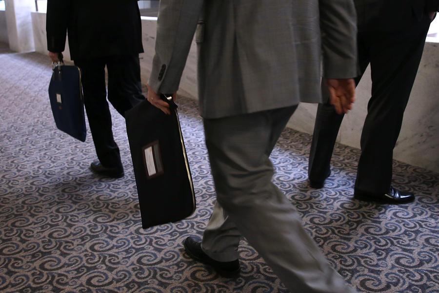 СМИ: британские парламентарии и чиновники устраивают родственников на государственные должности