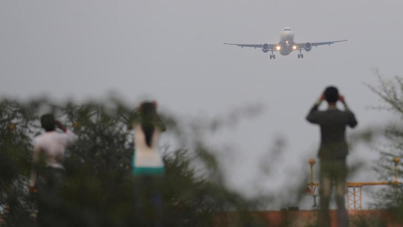Ушёл в туалет и не вернулся: заклинившая дверь привела к аварийной посадке самолёта Air India