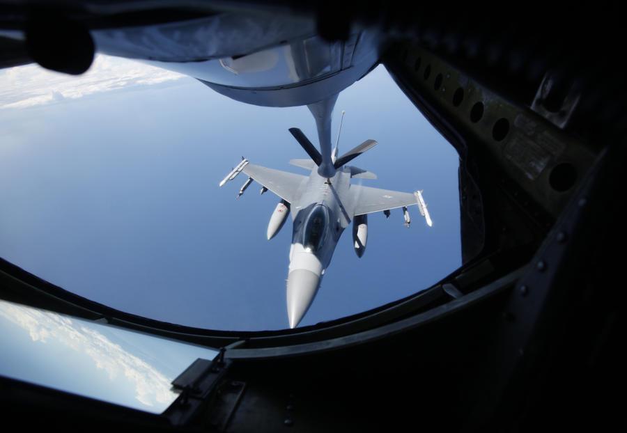 США модернизируют все истребители F-16 Fighting Falcon