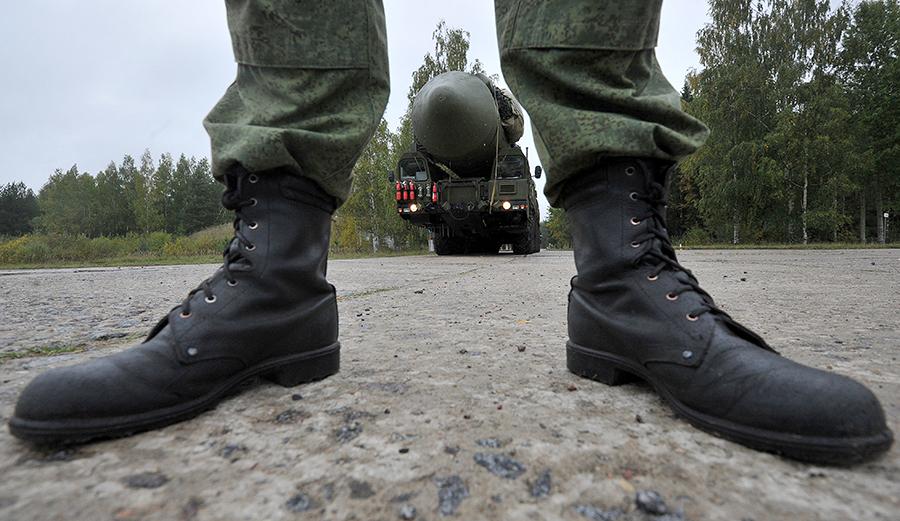 Шойгу: российские солдаты должны забыть слово «портянки»