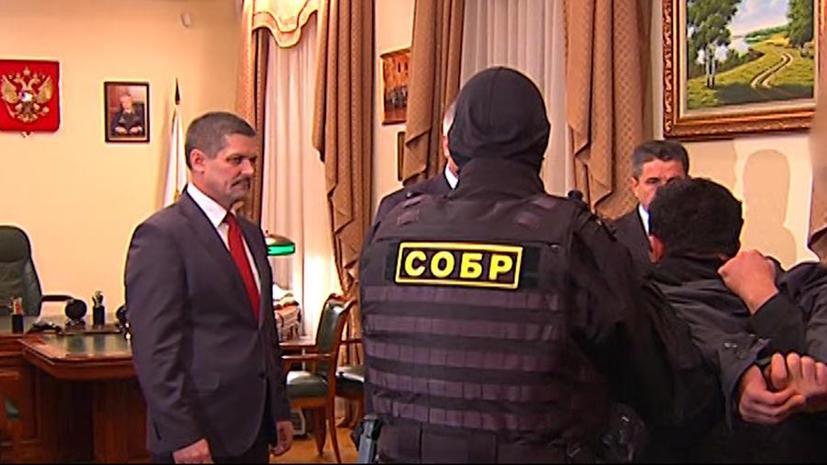 Московская полиция вручила миллион рублей тем, кто помог поймать Орхана Зейналова
