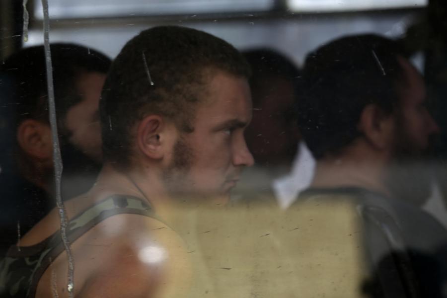 NYT: Киев обменивал военнопленных на людей, не принадлежавших к ополчению
