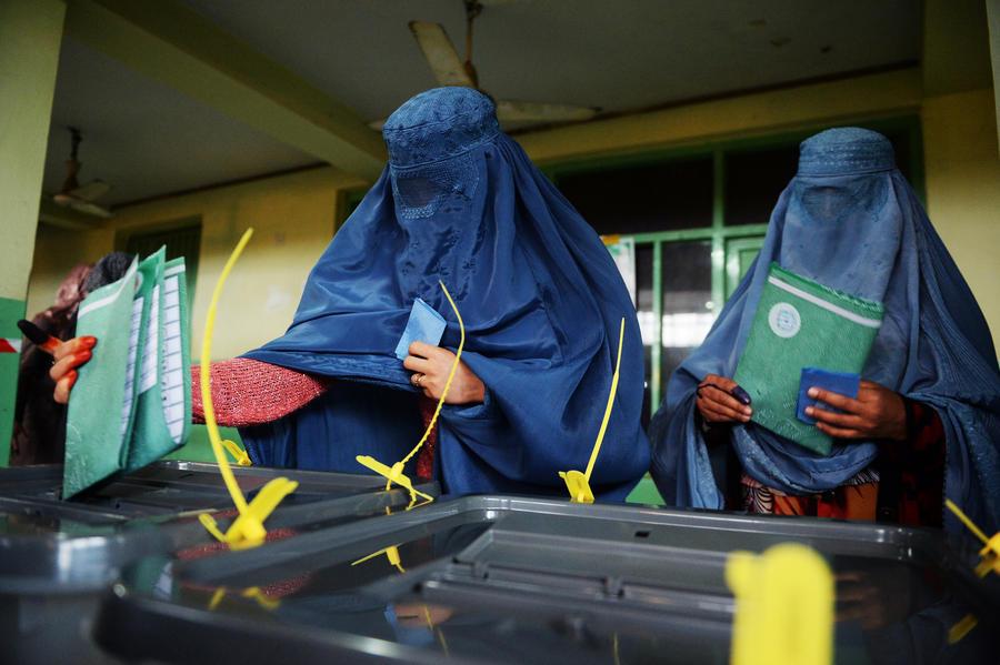 Президентские выборы в Афганистане состоялись, несмотря на угрозы «Талибана»