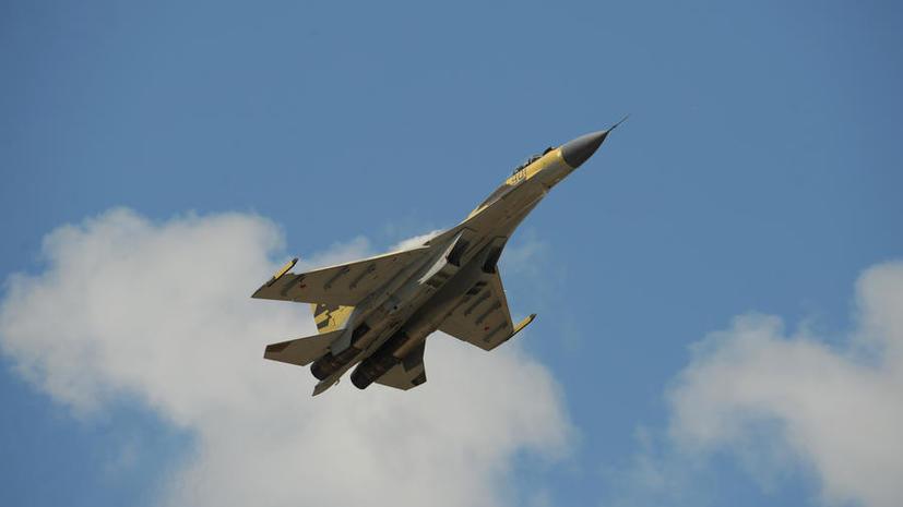 СМИ: Суперсовременный американский истребитель F-22 не способен сбить российский Су-35