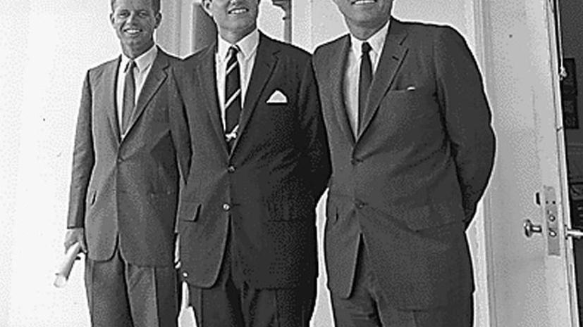 В молодости Джон Кеннеди восхищался Гитлером