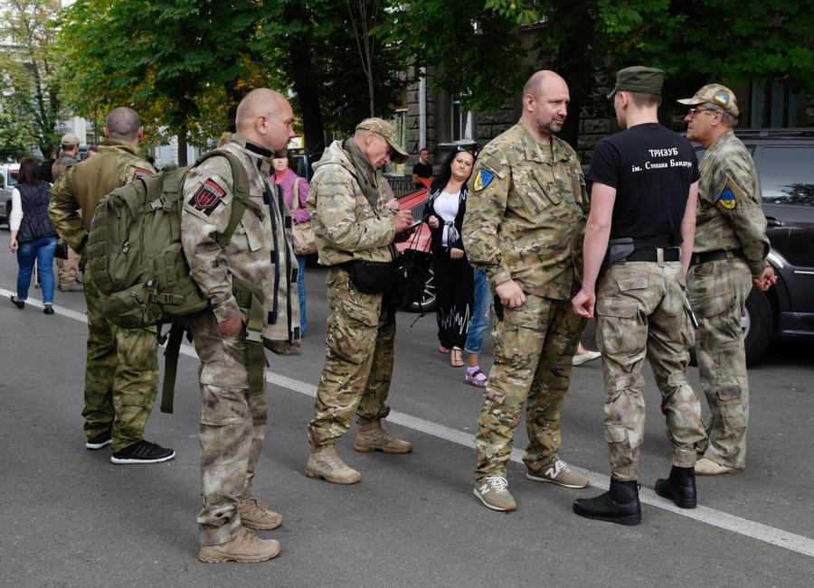 Вспышка справа: на Украине нарастает противостояние боевиков «Правого сектора» и силовиков