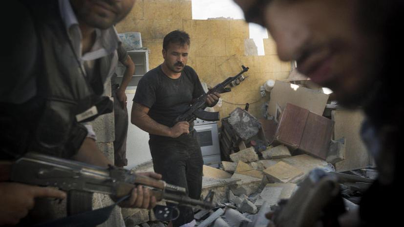 Сирийская оппозиция сядет за стол переговоров только в обмен на оружие и боеприпасы
