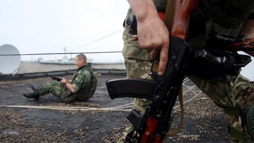 Ополченцы блокировали в аэропорту Луганска от 500 до 2 тысяч украинских силовиков и предлагают им сдаться