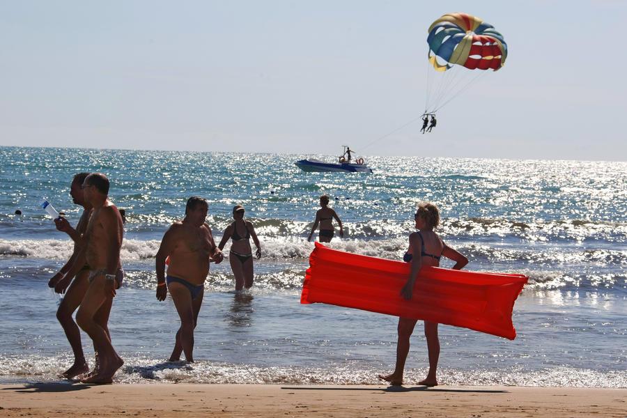 Российские туристы массово отравились на турецком курорте
