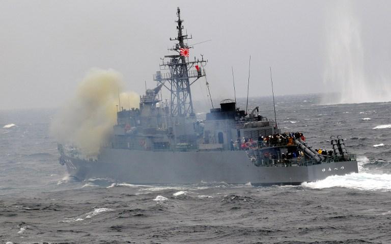 Японские эсминцы вышли на перехват ракеты КНДР