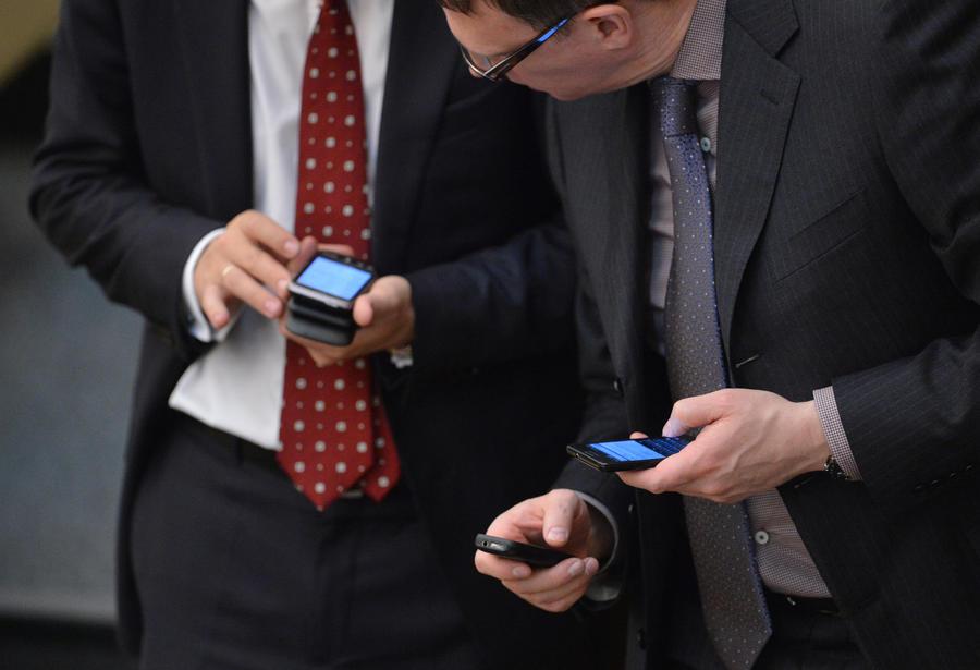 Операторы сотовой связи будут предупреждать население об опасности бесплатно