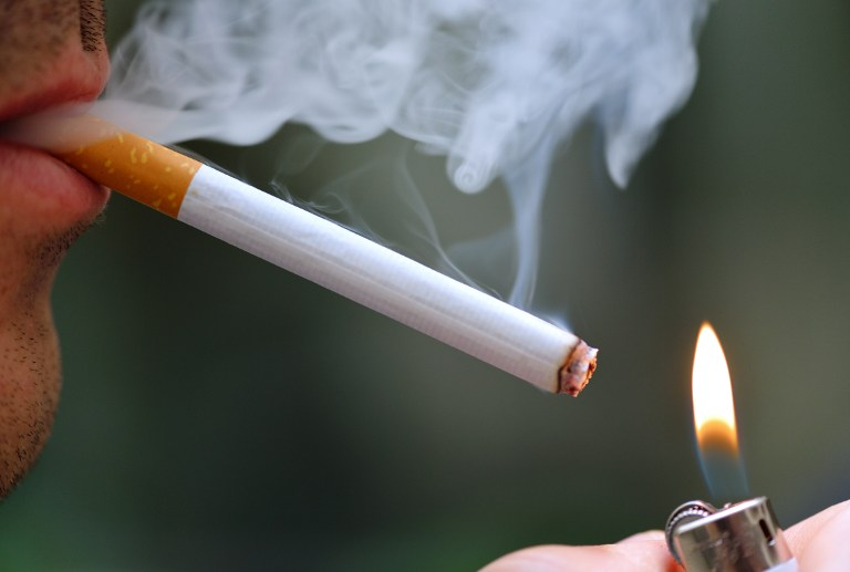 В США мужчина подал в суд на городские власти за запрет на курение в общественных парках