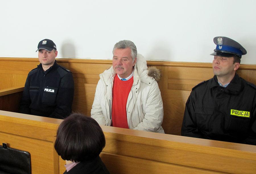 Следователи сняли с Игнатенко обвинение в мошенничестве, но он останется под арестом