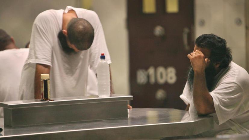Адвокат: участник голодовки в Гуантанамо находится на грани самоубийства