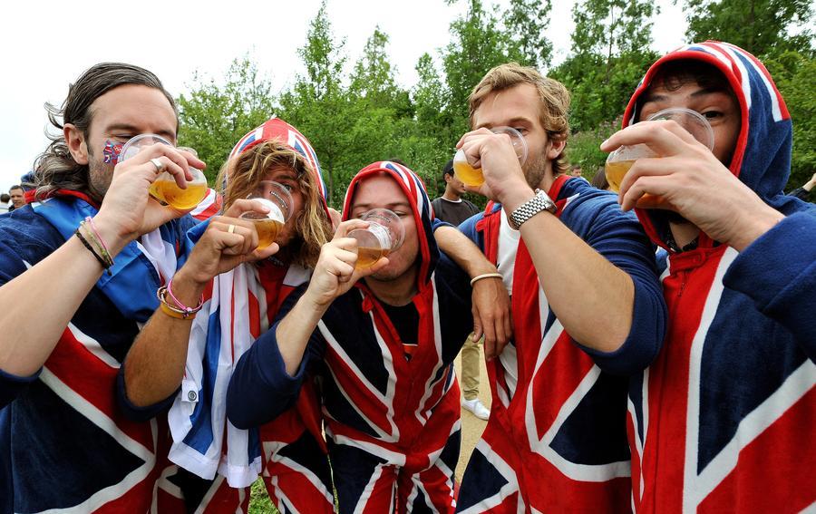 Британские туристы часто становятся жертвами сексуального насилия и много пьют