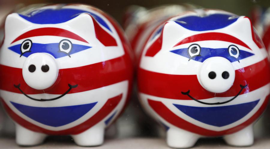 Британские банки могут заморозить счета живущих в королевстве богатых россиян