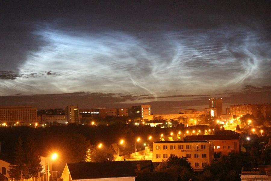 Жители Челябинска увидели северное сияние