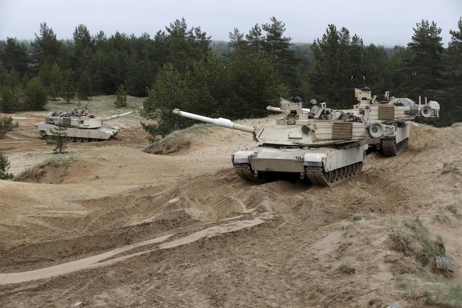 Польша, Литва и Эстония готовы разместить на своей территории тяжёлое вооружение США
