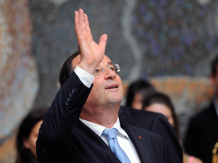 Франсуа Олланд: Франция окажет сирийской оппозиции политическую и гуманитарную помощь